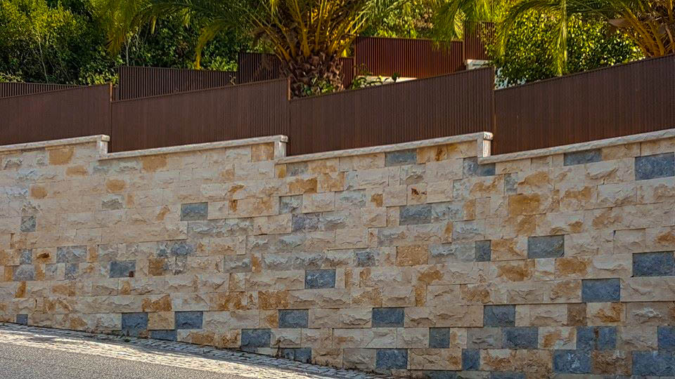 parement gris exterieur amazing amazing bricolage de luide la ralisation parement en pierre mur. Black Bedroom Furniture Sets. Home Design Ideas